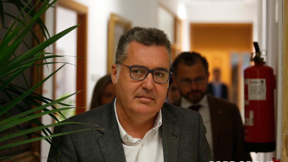 Manuel Torrejimeno, en el Ayuntamiento de Córdoba.
