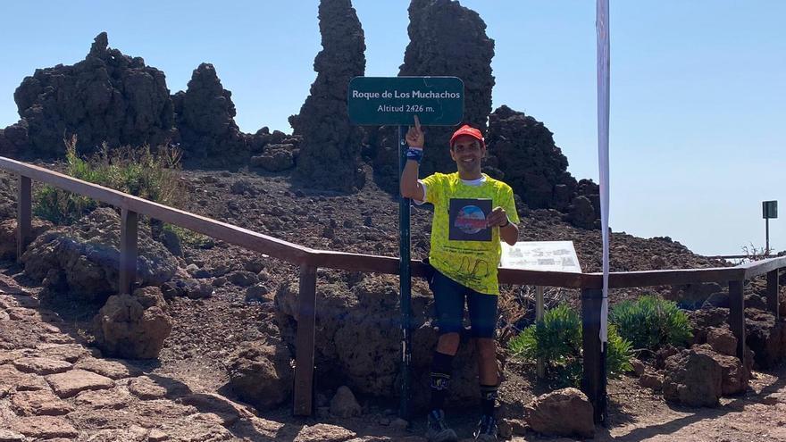 El tijarafero David Rodríguez logra otro desafío: coronar la cima de La Palma