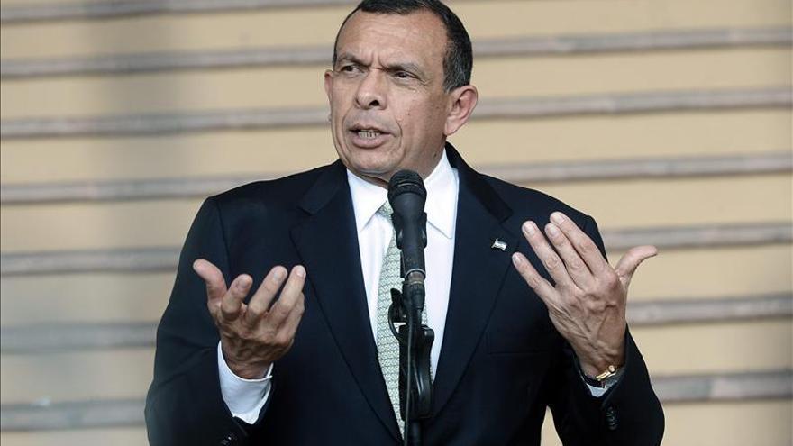 Lobo inicia su último año de Gobierno entre el logro político y el fracaso económico