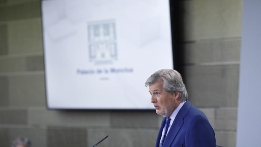 El Gobierno evita la polémica del aviso de EEUU sobre atentado, pero sugiere a Puigdemont que aclare por qué lo negó