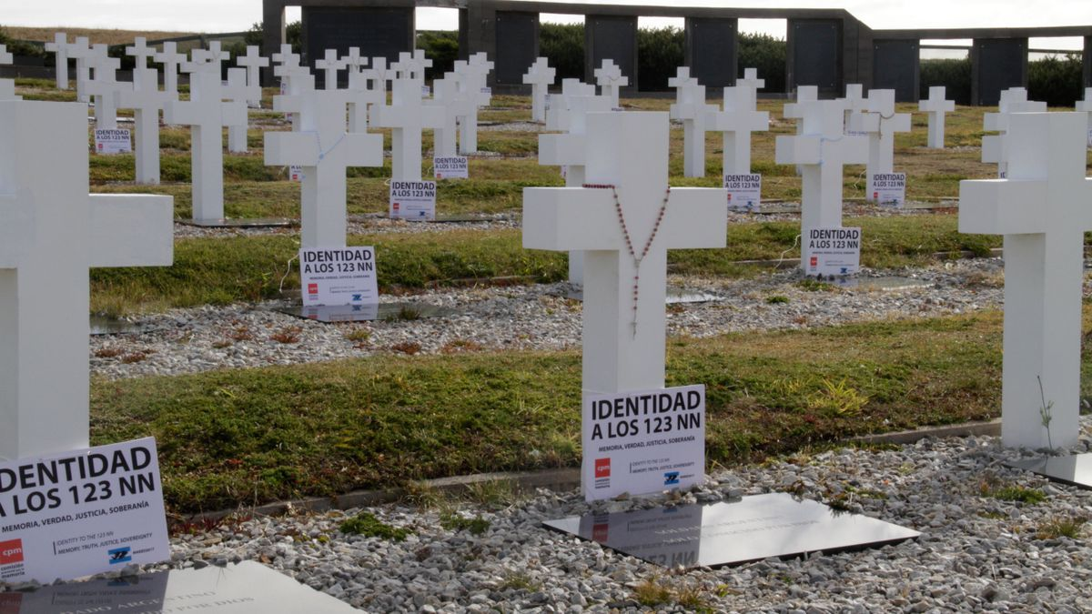 Un equipo internacional comenzará la identificación de soldados caídos en Malvinas