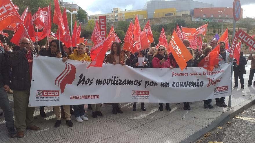 Trabajadores del sector de la dependencia de C-LM exigen que se garantice un salario mínimo de mil euros