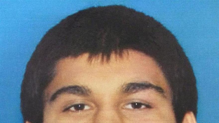 Investigan al presunto autor del tiroteo en un centro comercial de EE.UU.