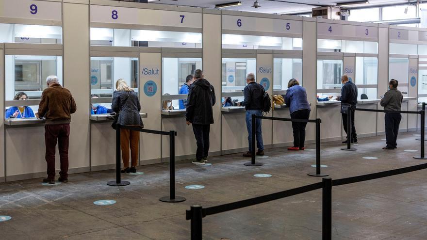 Cataluña vacunará en junio a personas de 40 a 49 años y en julio ya a todos