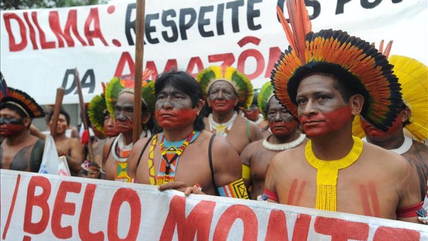 Grupos indios ocupan de nuevo una de las obras de polémica represa en Brasil