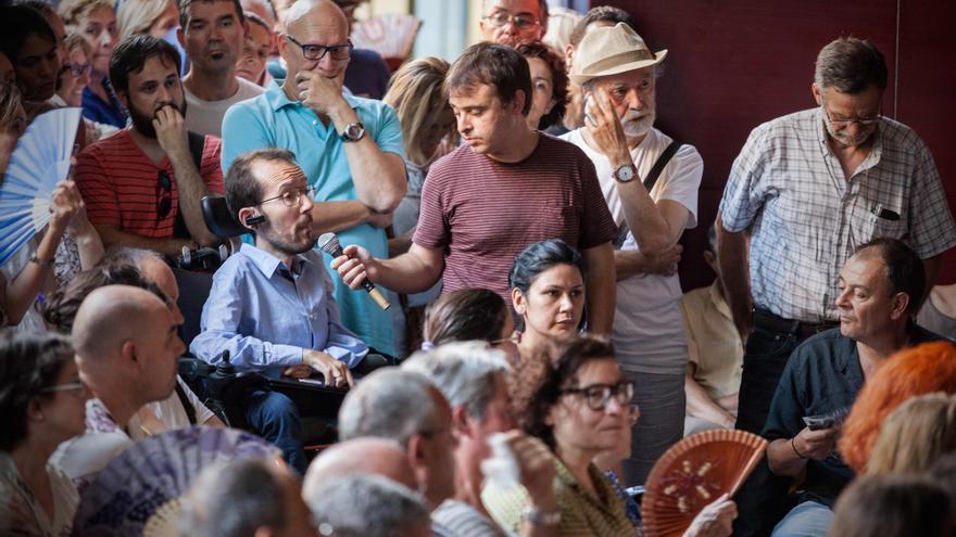 Pablo Echenique en una asamblea de Ahora Aragón en Común