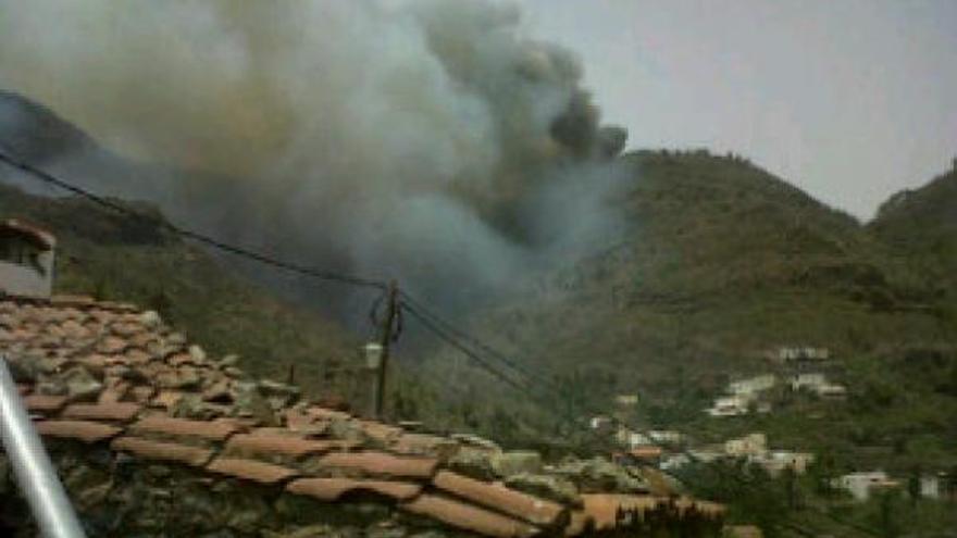 Imagen del incendio en La Gomera. (gomeranoticias.com)