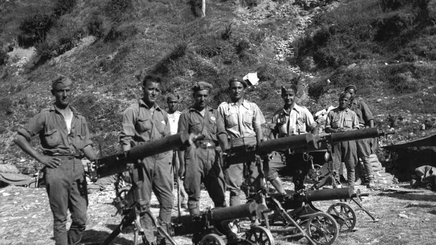 7.000 soldados soportaron el asedio del doble de tropas nacionales en la Bolsa de Bielsa. Imagen de 1938