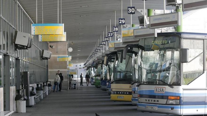 Alsa ofrece en agosto cinco millones de plazas a destinos vacacionales