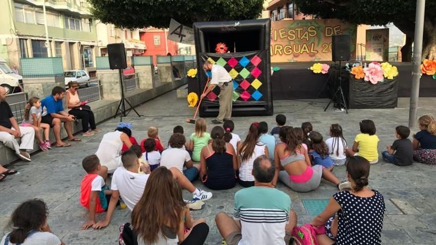 Una de las representaciones de la obra 'Recicla y limpia tus calles con Barrio Sésamo'.