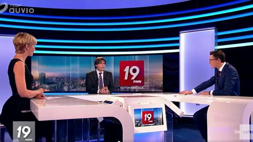 Puigdemont durante la entrevista en la radiotelevisión pública de Bélgica RTBF