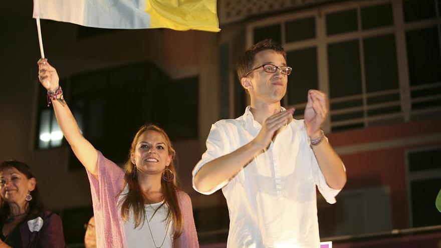 Iñigo Errejón junto a Noemí Santana. (ALEJANDRO RAMOS)