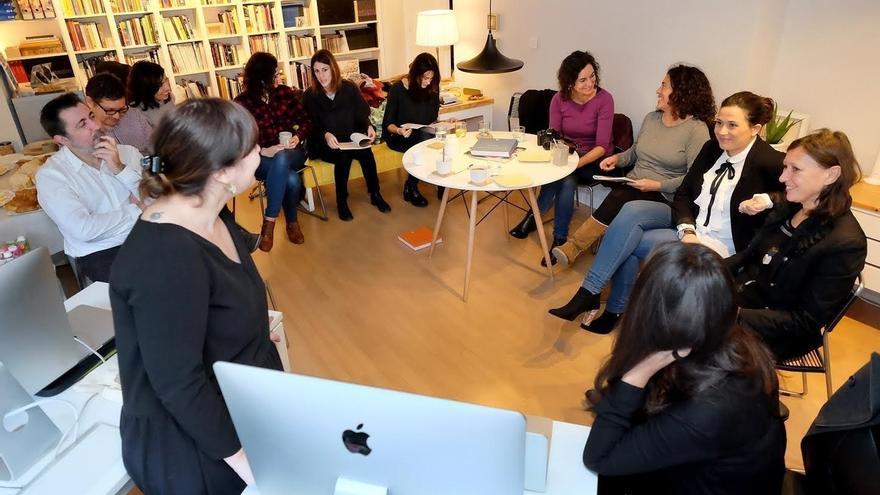 Agentes culturales de la ciudad se reúnen con la directora de la Academia de España en Roma en 'Confluencias'
