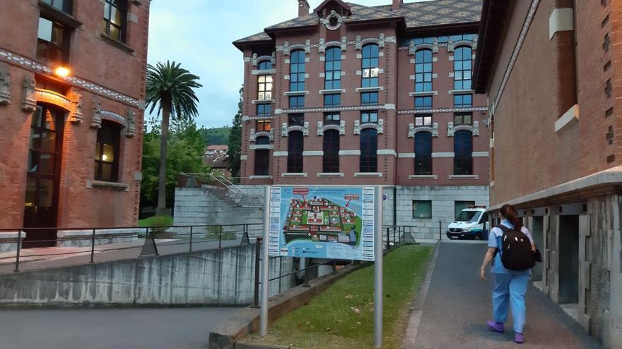 Nuevos focos en Euskadi: cinco positivos en una iglesia de Bilbao y un caso en Vitoria obliga a cerrar un centro de día
