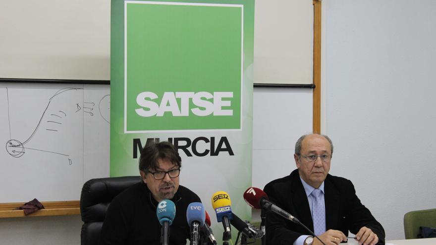 Luis Esparza y José Antonio Blaya, del sindicato de enfermería SATSE / PSS