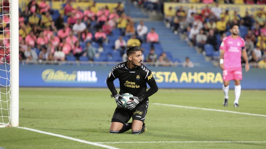 El portero de la Unión Deportiva Álvaro Valles en el partido ante el Depor.