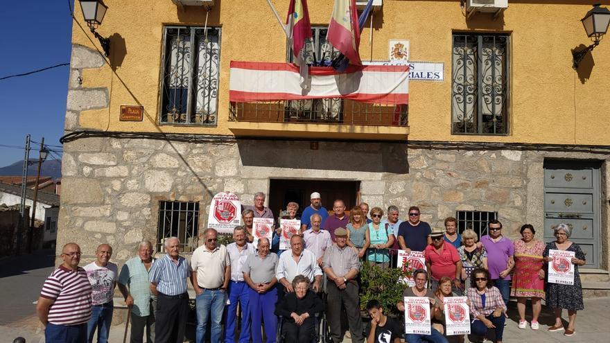 Concentración en Sartajada (Toledo) contra la despoblación