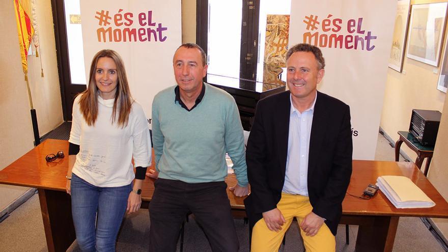 Àngela Ballester, Joan Baldoví y Enric Ballester en la presentación del programa de 'Compromís-Podemos. És el moment'
