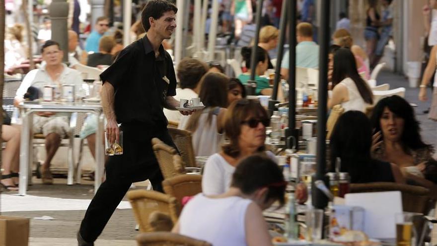Los contratos en hostelería subieron 40 % en marzo de cara a la Semana Santa