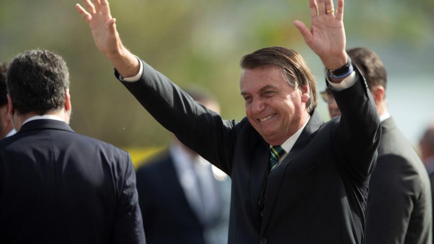 """Bolsonaro defiende el retorno del voto impreso para evitar lo de """"otros países"""""""