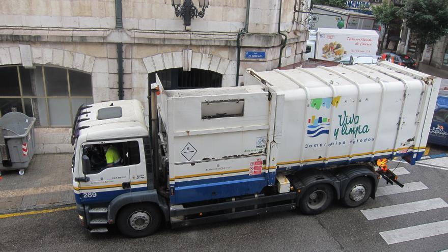 Camión de basura en Santander.