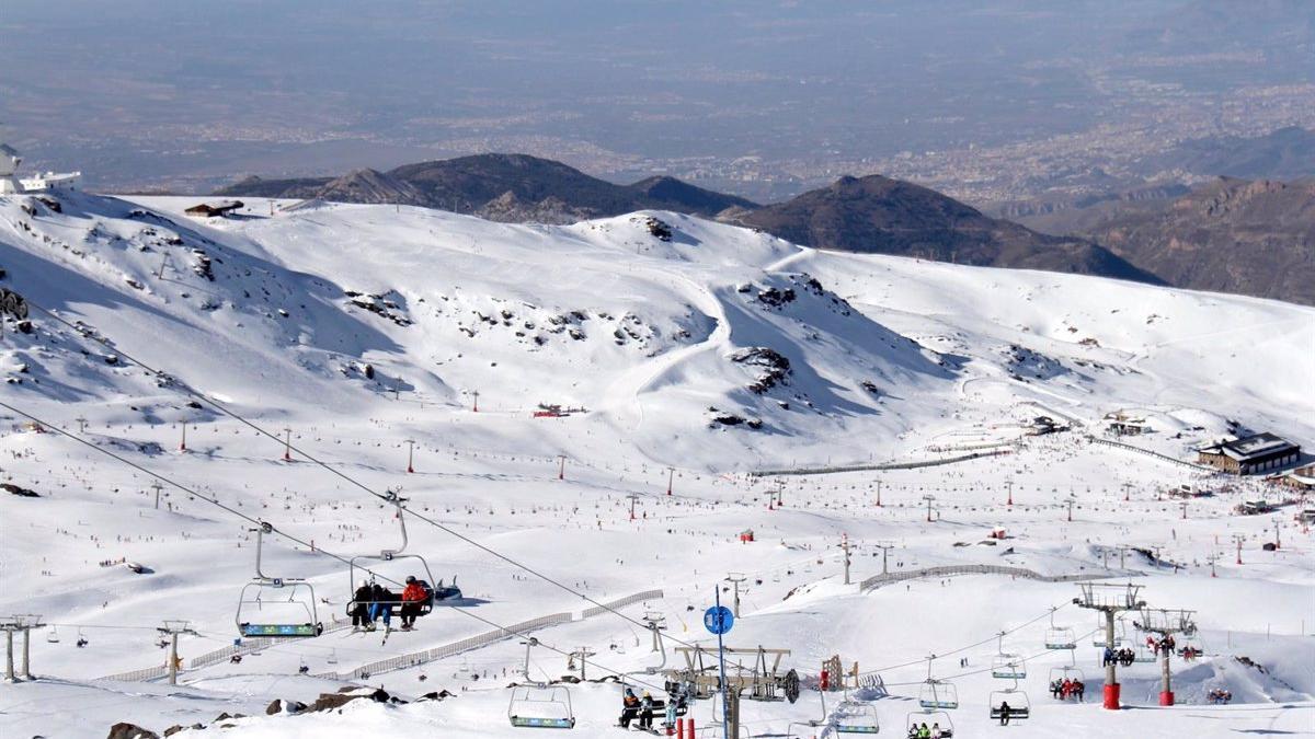 Sierra Nevada abrirá coincidiendo con la segunda fase de la desescalada fijada por la Junta de Andalucía