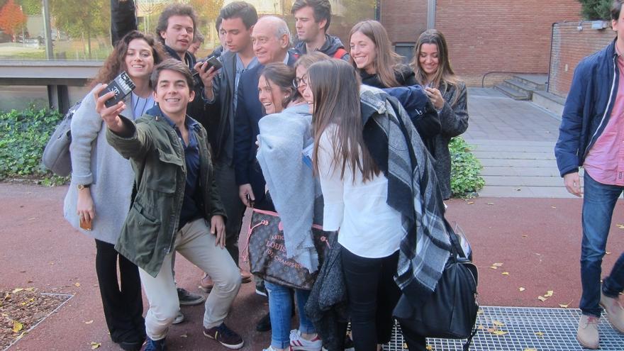 """Jorge Fernández (PP) vuelve a alertar de una """"coalición de perdedores"""" contra Rajoy"""