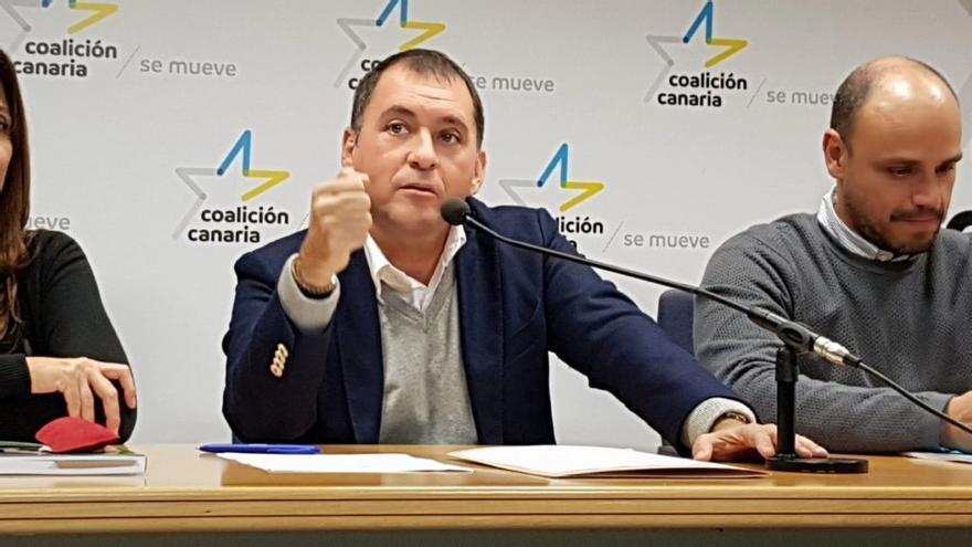 José Manuel Bermúdez, secretario general de CC en la capital tinerfeña (y alcalde), y Alfonso Cabello, responsable de Organización (y concejal de Desarrollo Económico), en una imagen de archivo
