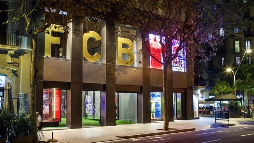 La tienda del Futbol Club Barcelona. /ENRIC CATALÀ