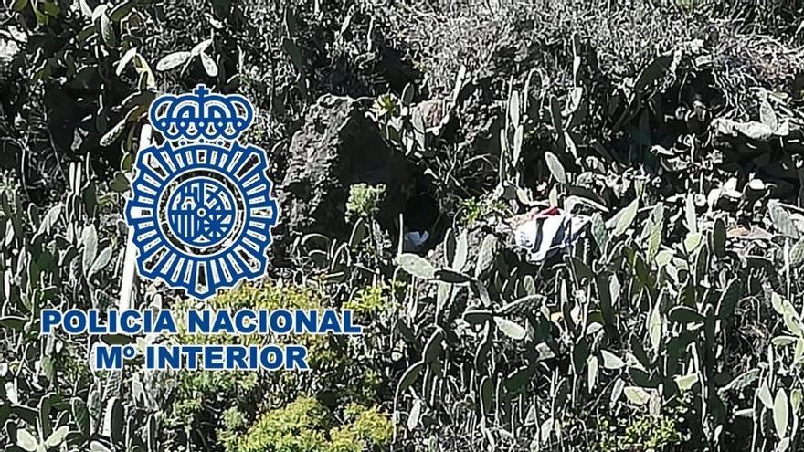 Imagen del coche destruido que ha sido facilitada por la Policía Nacional