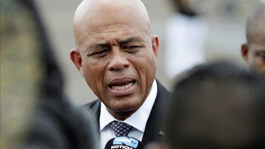 Martelly invita a los franceses a reparar la injusticia de pago por su independencia