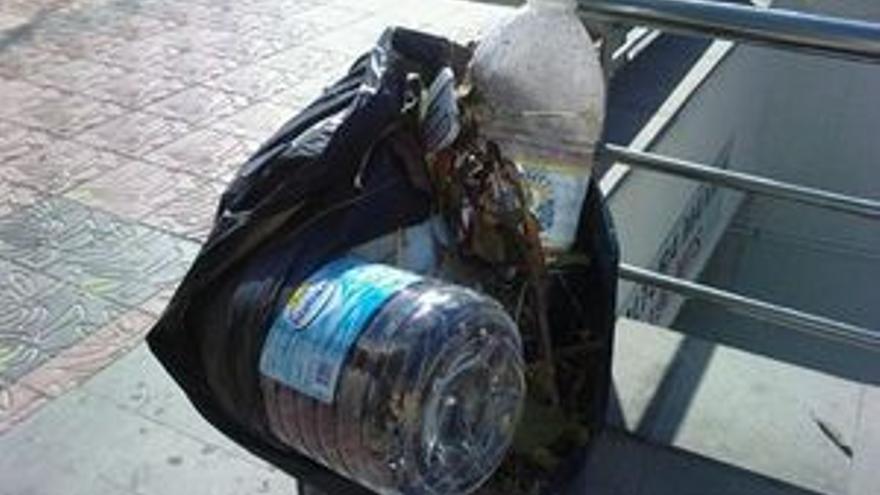 Más de 15.000 kilos de basura se acumulan en Santa Lucía