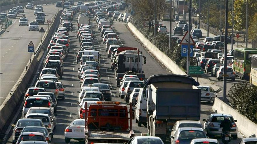 Una colisión múltiple causa un monumental atasco en la zona norte de Madrid