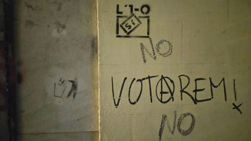 Pintada al carrer amb motiu del referèndum de l'1 d'Octubre