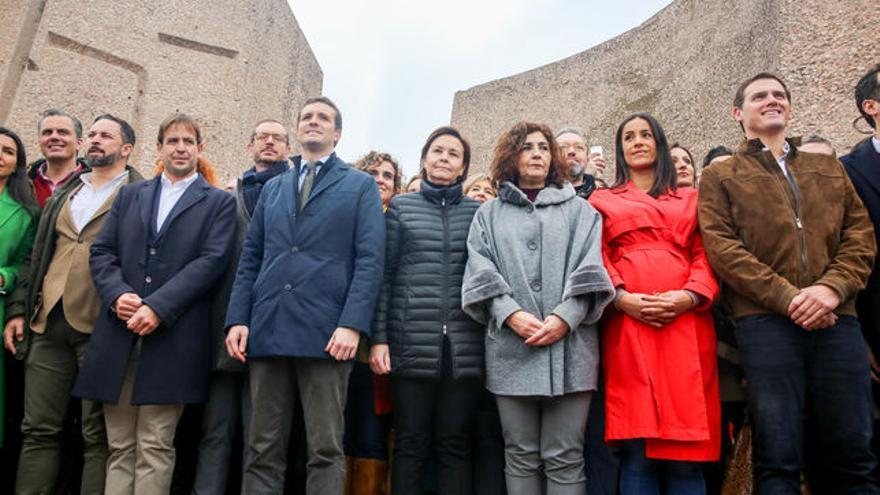 Foto de familia de la triple derecha. EFE