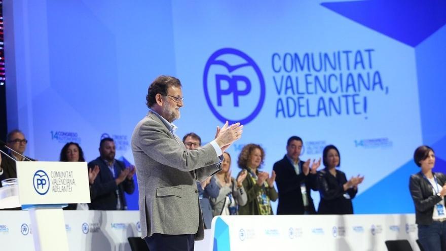 """Rajoy pide a Bonig """"integrar, unir y trabajar"""" para ganar porque cree que están preparados para """"dar batalla"""""""
