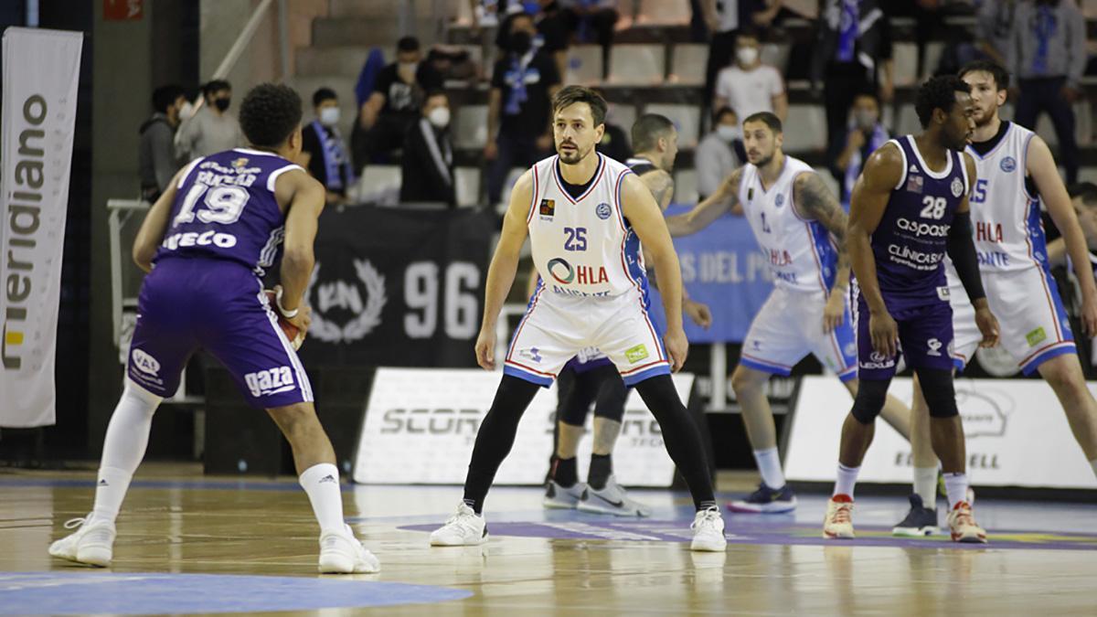 Rafa Huertas durante un partido con el Alicante
