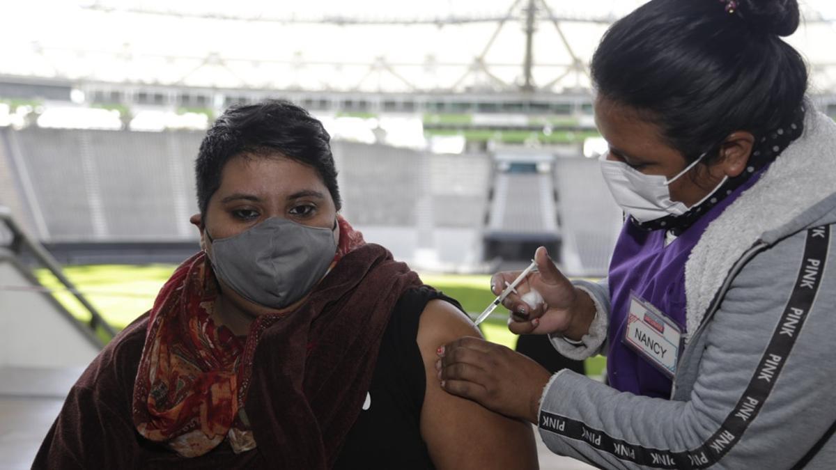 """Quirós, sobre la combinación de vacunas: """"La protección es mayor y la seguridad es plena"""""""