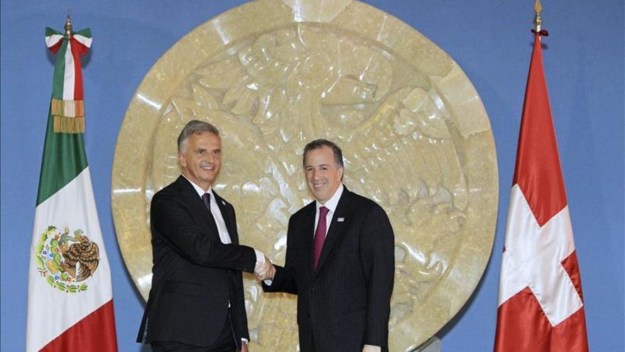 Canciller suizo anuncia actualización de acuerdo comercial con México