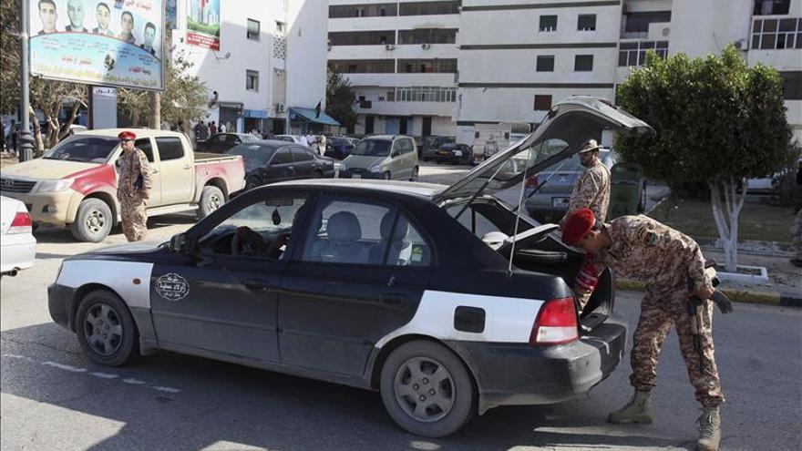 Una milicia de Trípoli secuestra al ministro libio de Planificación