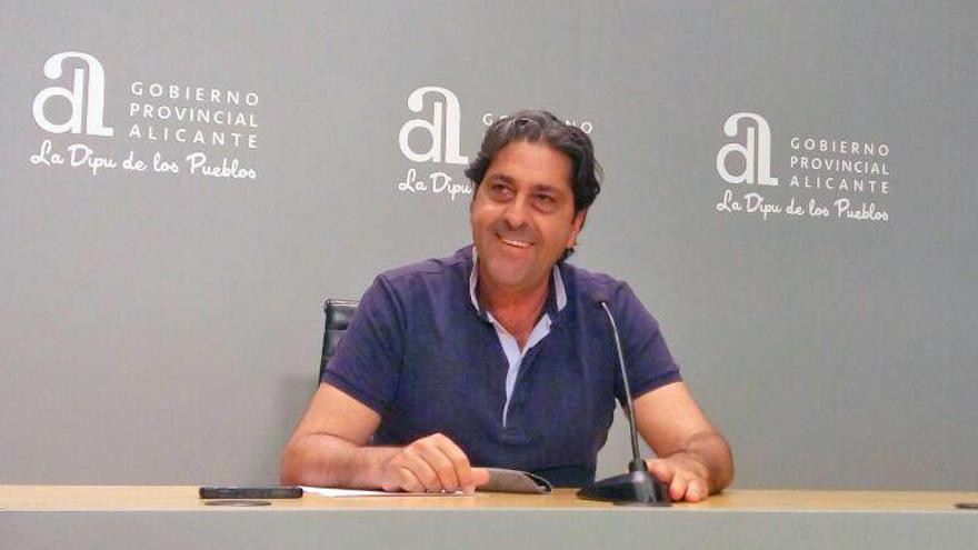 Fernando Sepulcre, ex de Ciudadanos en el ayuntamiento y la diputación de Alicante, en rueda de prensa