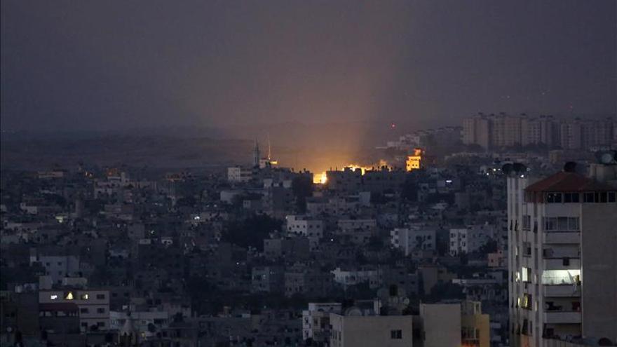 Ejército israelí anuncia alto el fuego de 7 horas en gran parte de Gaza lunes