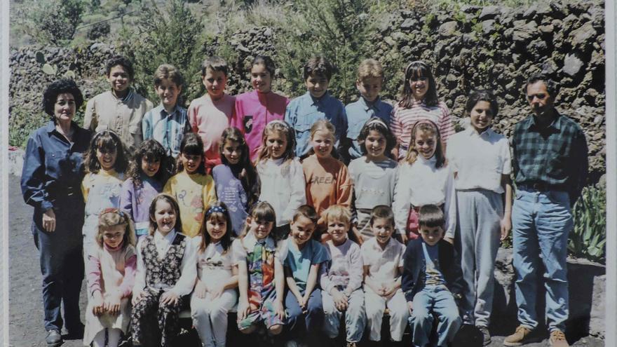 Alumnos y profesores de la Unitaria de La Sabina del curso 1994-1995.