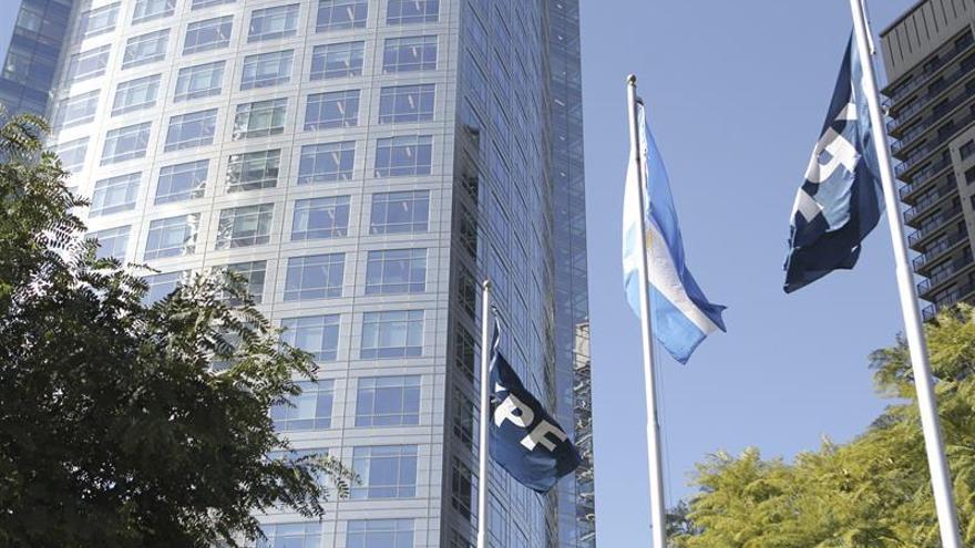 Un tribunal argentino pone plazo a YPF para entregar el acuerdo con Chevron