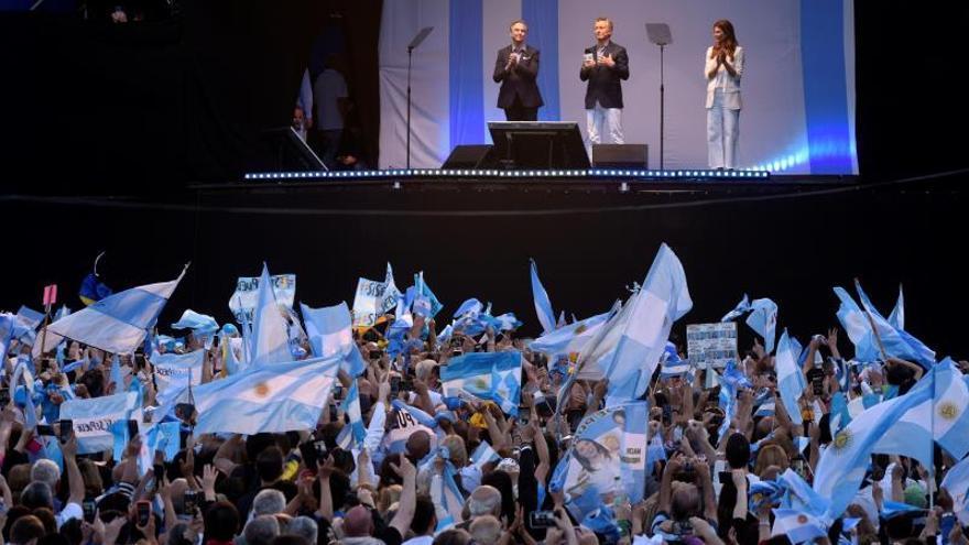 """""""Da la vuelta, Mauricio da la vuelta"""", el alentador cántico de apoyo a Macri"""