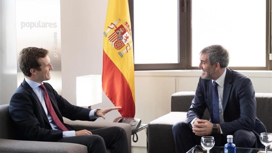 Pablo Casado, líder del PP nacional, y Fernando Clavijo, presidente del Gobierno de Canarias.