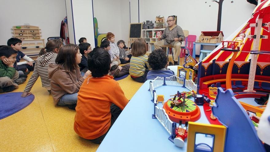 Educación convoca más de 500 plazas en 13 municipios en actividades para el periodo no lectivo