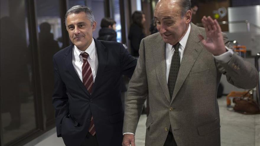 Castro y Roca, dos veteranos juristas, se cruzan reproches más allá de la ley