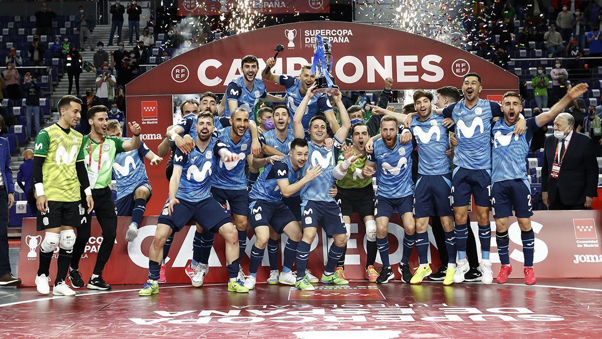 Jugadores de Inter Movistar celebrando la Supercopa