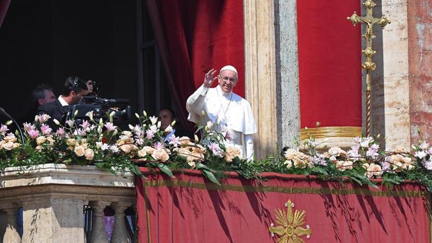 """El papa califica de """"innoble ataque"""" el atentado contra los evacuados en Siria"""